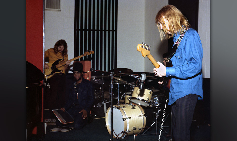 MUSCLE SHOALS, AL - 1968: Session guitarist Duane Allman (right) meets and jams with future Allman Brothers Band members Berr