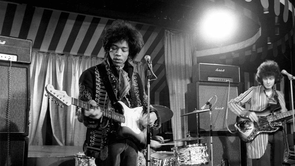 UNITED KINGDOM - MARCH 02:  MARQUEE  Photo of Noel REDDING and Jimi HENDRIX, Jimi Hendrix Experience - L-R: Jimi Hendrix, Noe