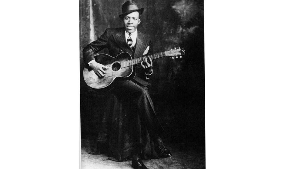 71. Robert Johnson. Nach seinem Tod blieb er für Jahrzehnte ein Unbekannter, aber die 29 Songs, die er 1936 und 1937 aufnahm