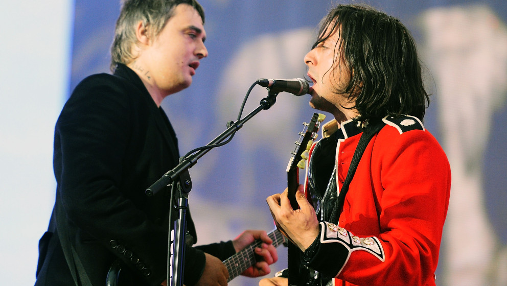 LONDON, ENGLAND - JULY 05:  Pete Doherty and Carl Barat of The Libertines performs on stage at British Summer Time Festival a