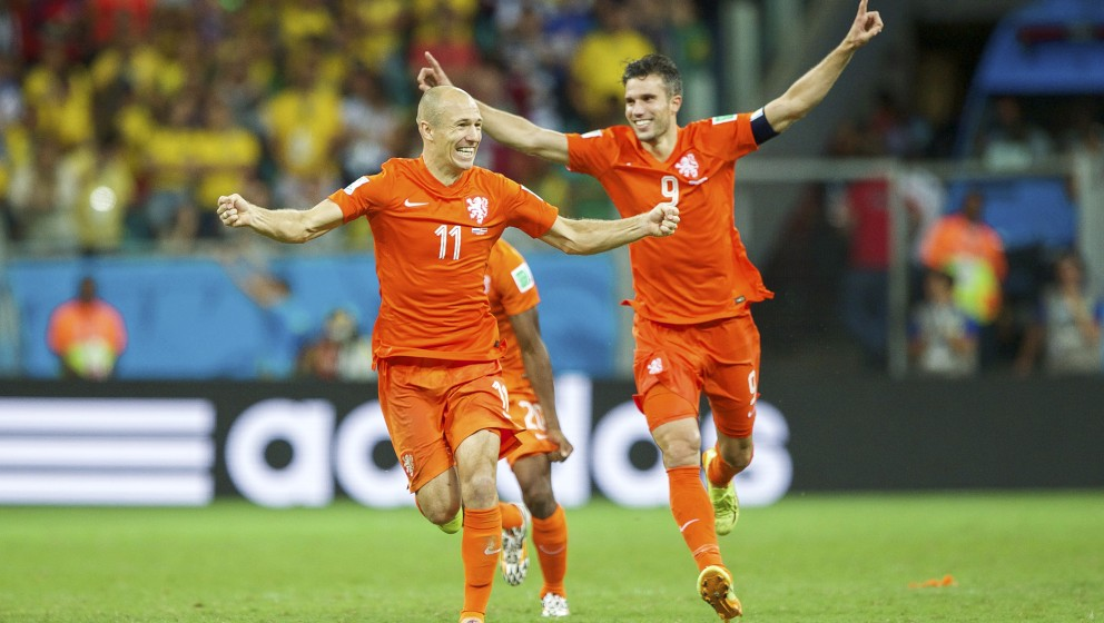 (L-R) Arjan Robben of Holland, Robin van Persie of Holland during the FIFA Worlf Cup quarter final match between Netherlands
