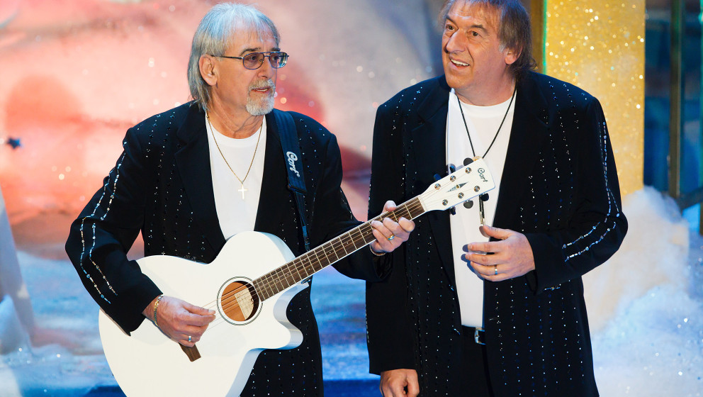 SUHL, GERMANY - NOVEMBER 26: Karl-Heinz Ulrich (L) and Bernd Ulrich (R) of Die Amigos perform during the 'Adventsfest der 100