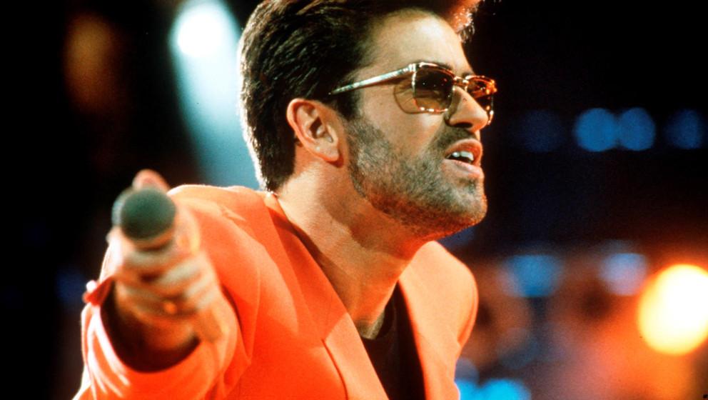 08. George Michael legt seine Karriere auf Eis  Man mag sich kaum noch daran erinnern, aber in den 1980ern war George Michael