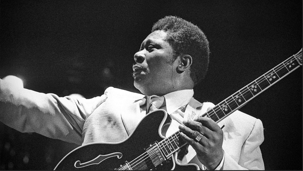 Blues guitarist BB King performs on stage at Hammersmith Odeon, London, 14th October 1978. (Photo by Dick Barnatt/Redferns)