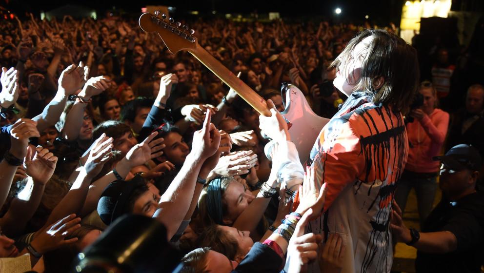 Win Butler, Frontmann Rock-Band kanadische Indie-Rockband 'Arcade Fire', stellt sich am 21.06.2014 in Neuhausen ob Eck (Baden