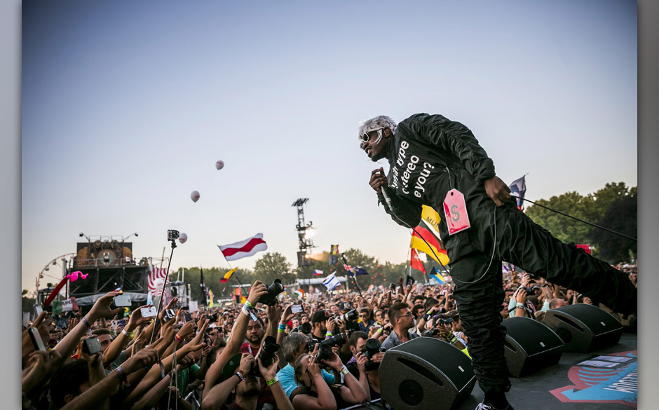 epa04358830 US rapper and singer-songwriter Andre 3000, of hip hop duo Outkast, performs at the 22nd Sziget (Island) Festival