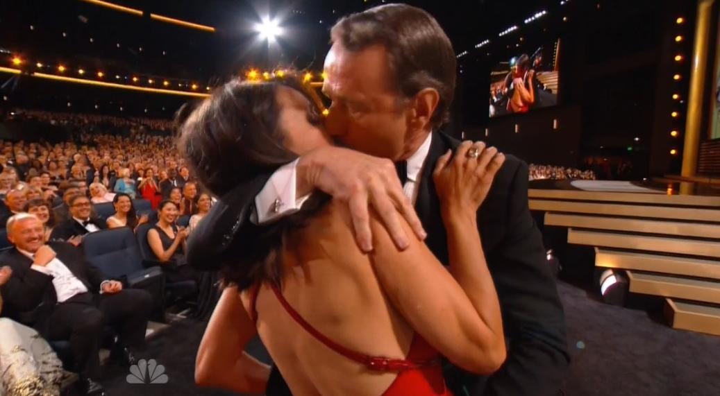 Skurriler Auftritt bei den Emmy Awards