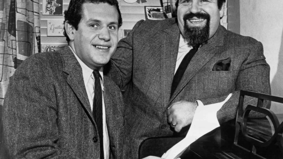 NEW YORK CITY - DECEMBER 1958:  Lyricist Doc Pomus and Pianist Mort Shuman pose for a portrait in their studio in the Brill B