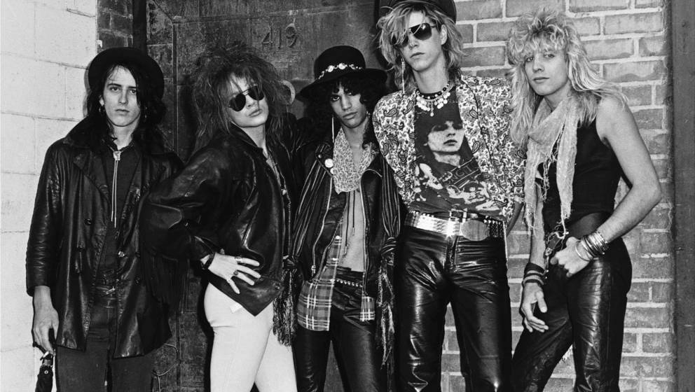 LOS ANGELES - JUNE 1985:  (L-R) Izzy Stradlin, Axl Rose, Slash, Duff McKagan and Steven Adler of the rock group 'Guns n' Rose