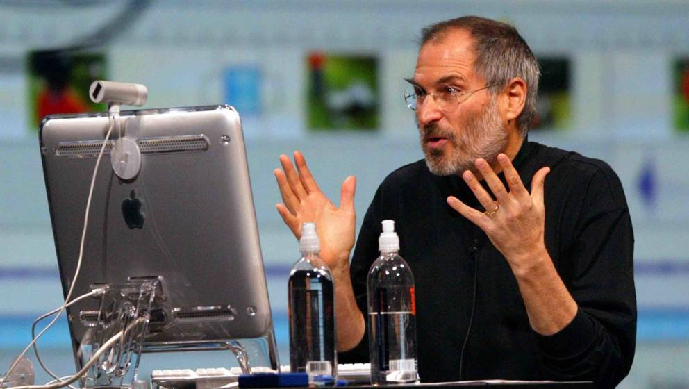 SAN FRANCISCO - JANUARY 6:  Apple CEO Steve Jobs gestures as he delivers a keynote address at Macworld January 6, 2004 in San