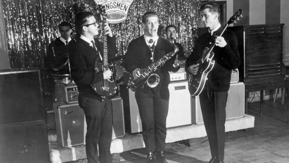 CIRCA 1965:  (L-R) Don Peterson, Norm Sundholm, Lynn Easton, Barry Curtis and Mike Mitchell of the rock and roll band 'The Ki