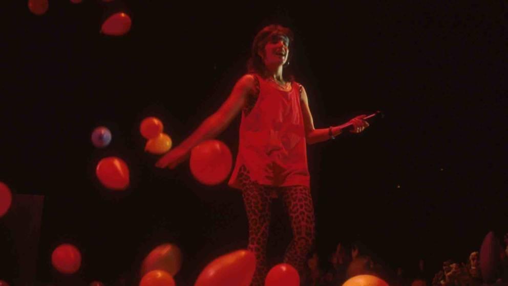 Nena (Sängerin), Auftritt, Luftballons, Mikrofon, Bühne, Ganzkörper, (Photo by Peter Bischoff/Getty Images)