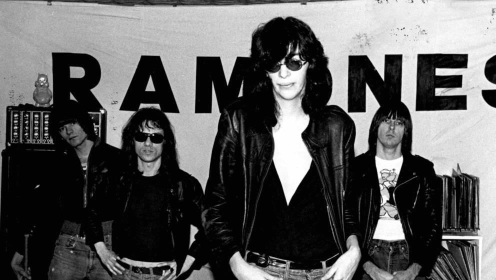 UNITED STATES - JANUARY 01:  Photo of Tommy RAMONE and RAMONES and Dee Dee RAMONE and Johnny RAMONE; L-R. Dee Dee Ramone, Tom
