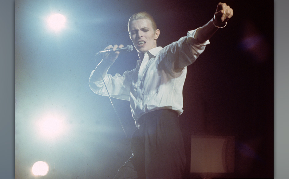 David Bowie performs on stage at Ahoy on the Thin White Duke tour on 13th May 1976 in Rotterdam, Netherlands. (Photo Gijsbert