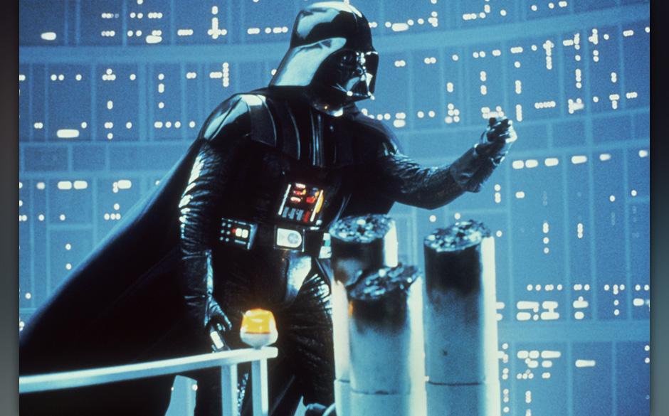 David Prowse als Darth Vader, die Inkarnation des Bˆsen, in einer Szene des Science Fiction-Films  'Star Wars - Die R¸ckkeh