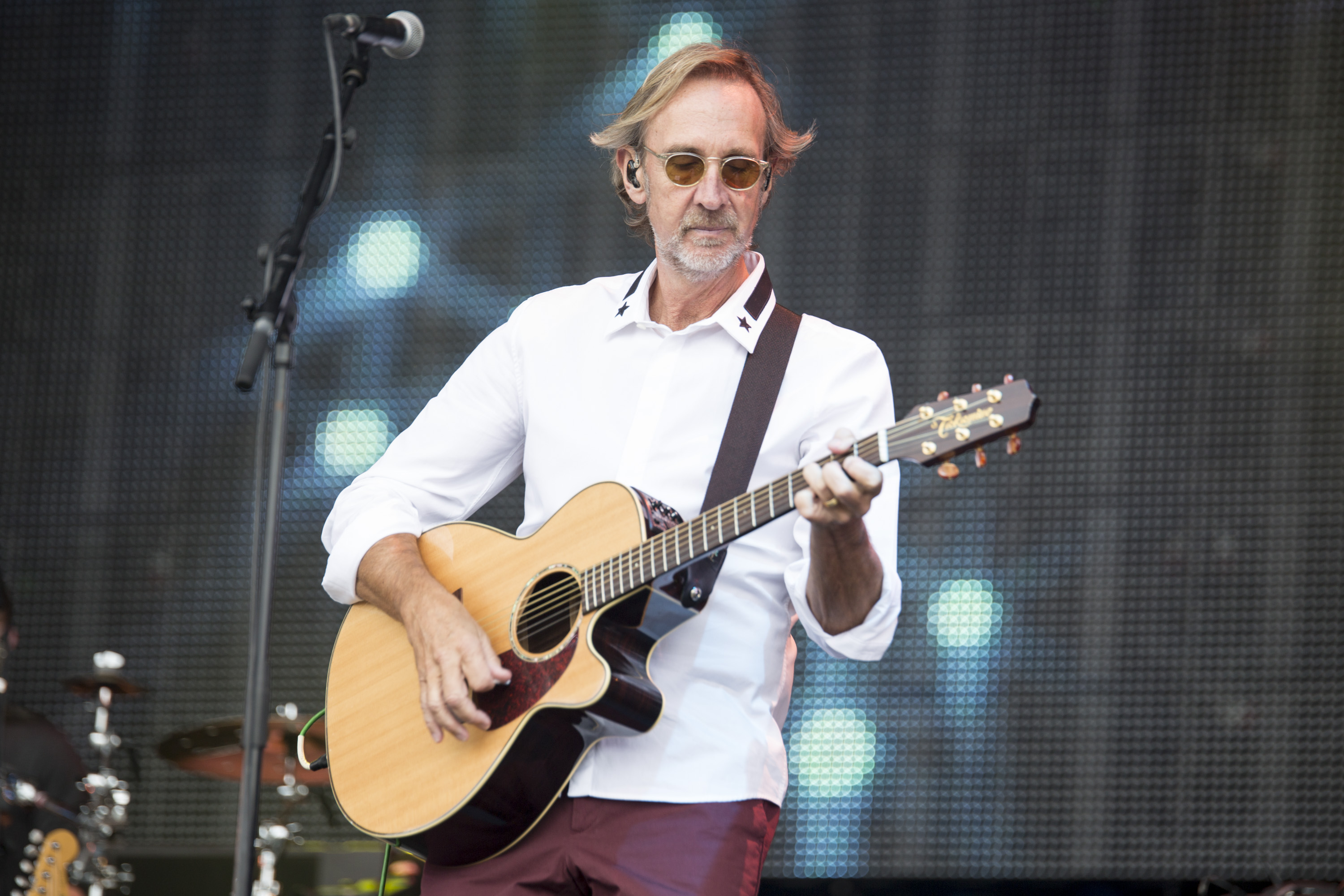 HENLEY-ON-THAMES, ENGLAND - AUGUST 16:  Mike Rutherford of Mike and the Mechanics performs on stage at Rewind South 80s Music