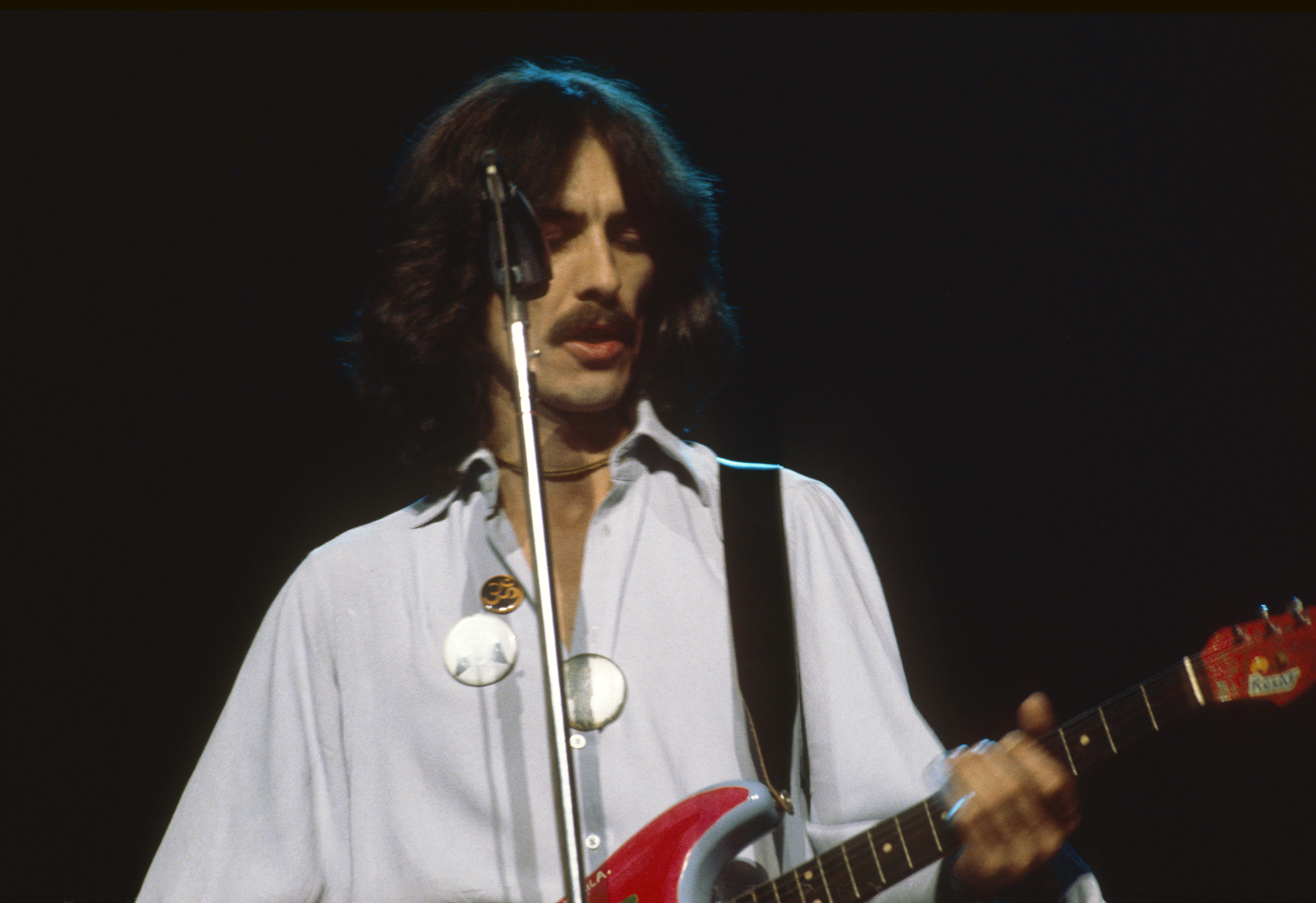 UNITED STATES - DECEMBER 01:  Photo of George HARRISON; George Harrison performing on stage, Dark Horse Tour,  (Photo by Stev
