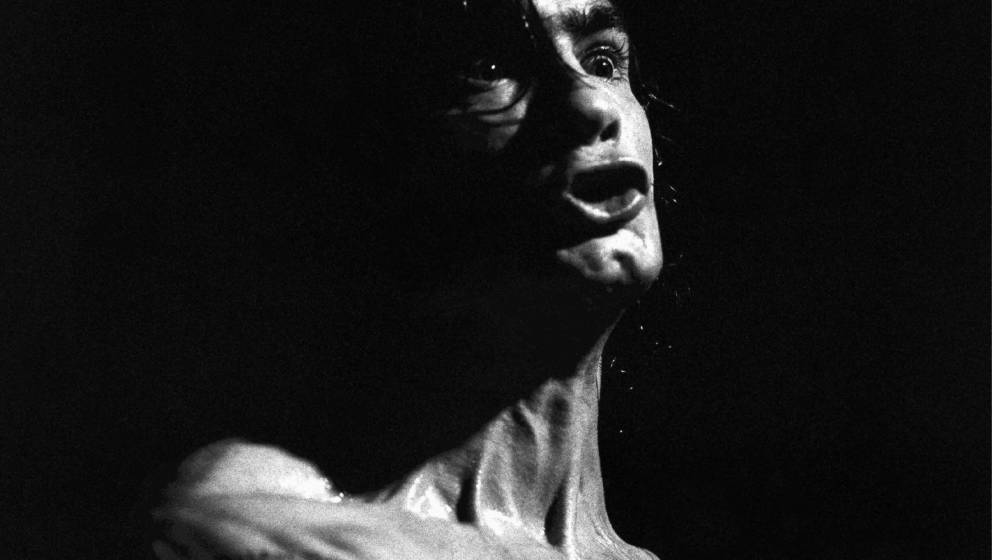 UNITED KINGDOM - MAY 01:  Photo of BLACK FLAG; Henry Rollins  (Photo by Martin O'Neill/Redferns)