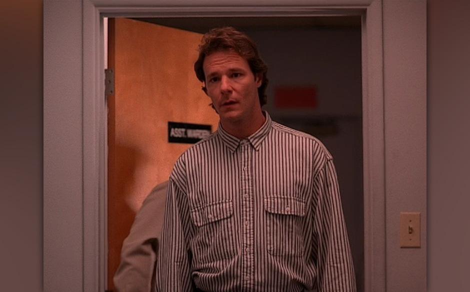Hank Jennings (Chris Mulkey). Ein Übeltäter klassischer Gangster-Schule (lutscht an einem symbolträchtigen Dominostein). S
