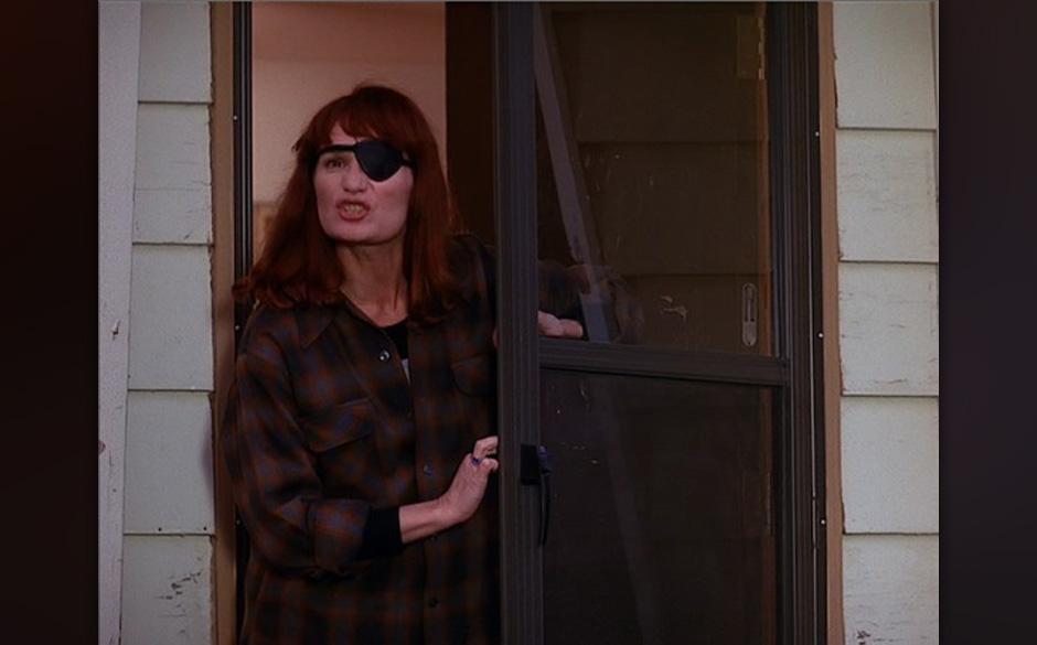 Nadine Hurley (Wendie Robie). Wohl eine der skurrilsten Personen im Twin-Peaks-Universum. Mit Augenklappe und Gedächtnisverl