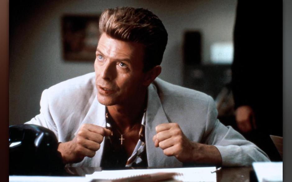 Philip Jeffries (David Bowie). Auch das Schicksal dieses FBI-Manns, einem Zeitreisenden, ist ungeklärt.  Wahrscheinlichkeit: