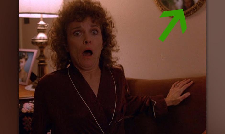 Sarah Palmer (Grace Zabriskie). Zabriskies Zusammenbruch, als sie vom Tod ihrer Tochter erfährt, gehört zu einer der eindri