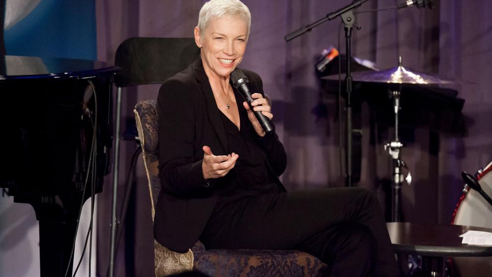 """93. Annie Lennox. """"Jeder in meinem Alter, der MTV einschaltete und dort Annie Lennox 'Sweet Dreams' singen sah, war sch"""
