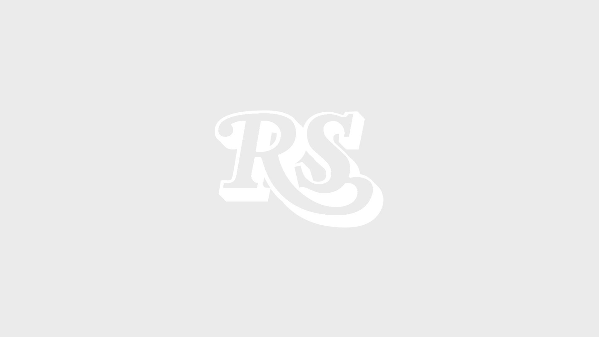 Iggy Pop mit nacktem Oberkörper bei einem seiner Konzerte.