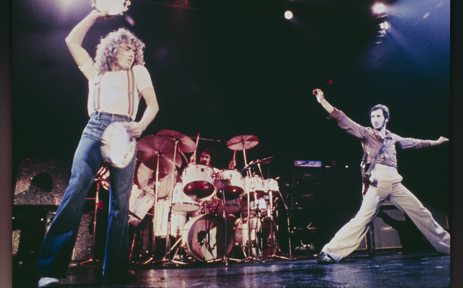 Singer Roger Daltrey (left) and guitarist Pete Townshend performing on stage with English rock group The Who, circa 1976. Kei
