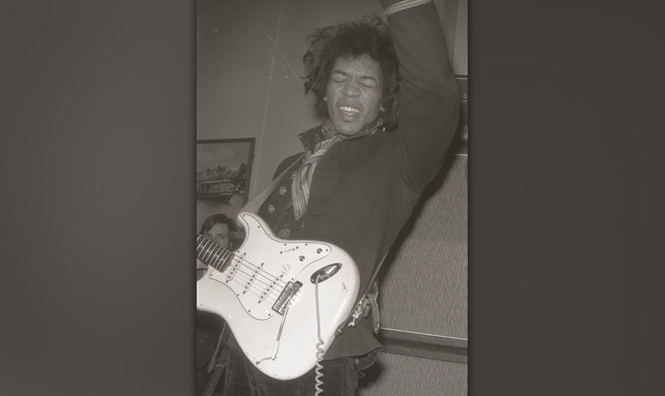 LONDON - JANUARY 01: Photo of Jimi HENDRIX; performing live onstage (Photo by Petra Niemeier - K & K/Redferns)