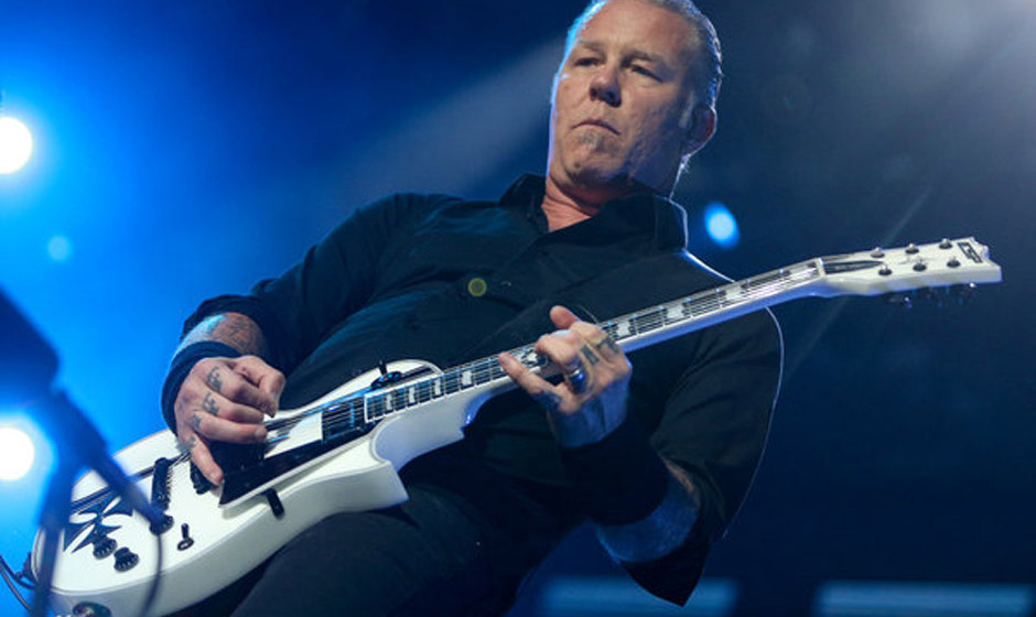 James Hetfield, S‰nger der Band Metallica steht am 04.06.2014 in Hamburg auf der B¸hne der Imtech-Arena. Die US-Band Metal