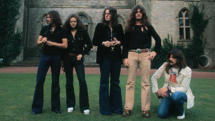 British heavy metal band Deep Purple, circa 1970. The band includes guitarist Ritchie Blackmore, drummer Ian Paice, singer Da