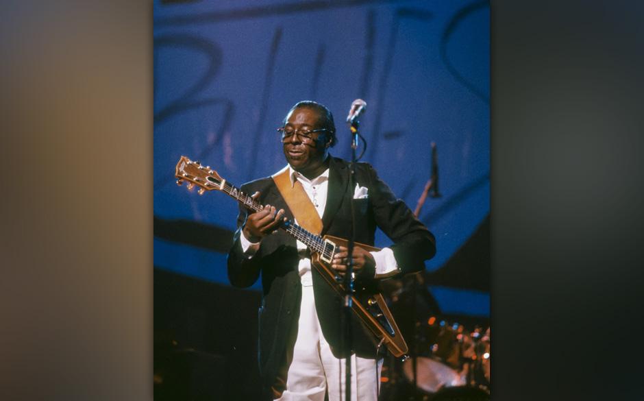 Legendary Bluesman ALBERT KING (b. Albert Nelson) playng 'Lucy,' his signatiure Gibson Flying V guitar, at the Benson & H
