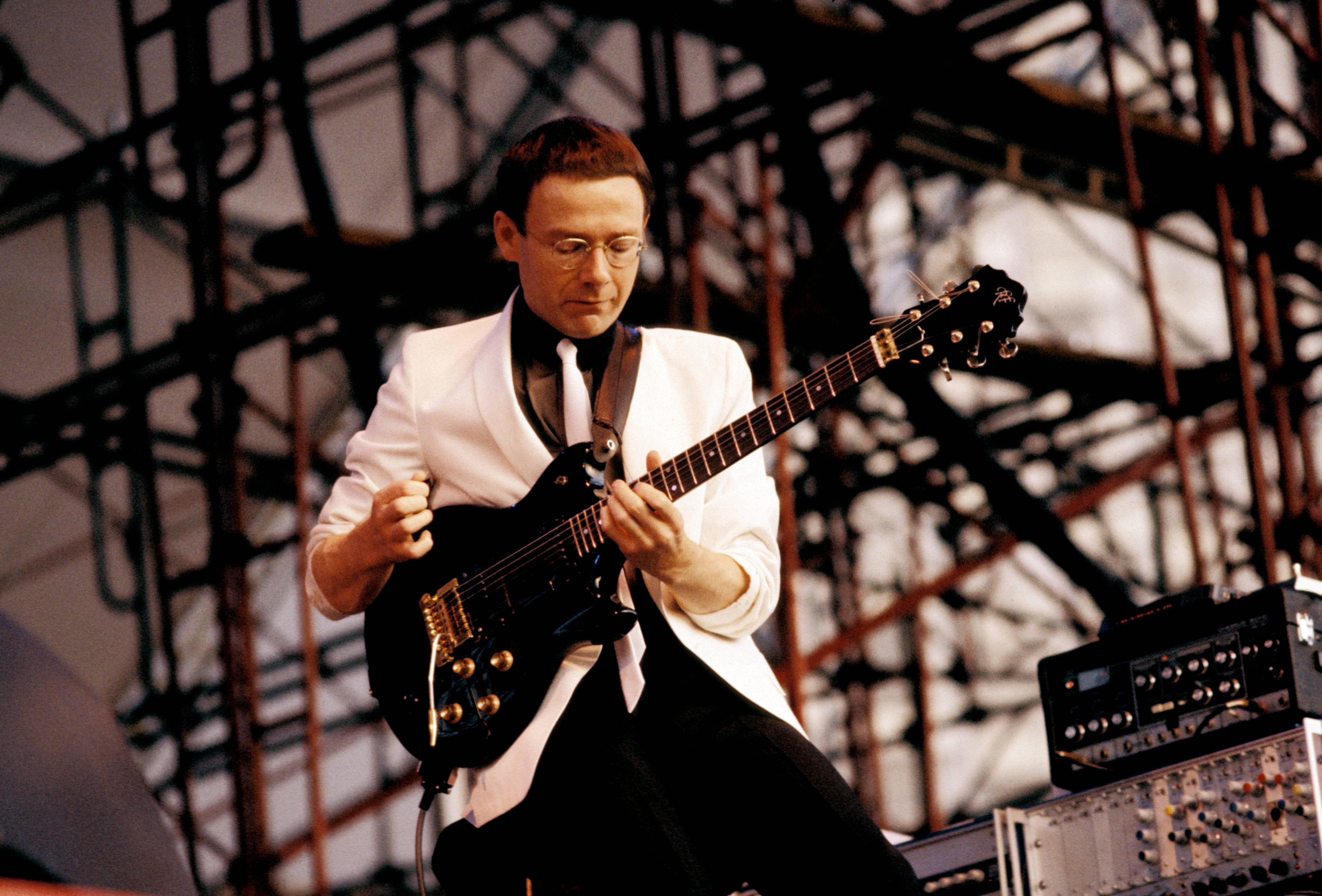 UNITED STATES - JANUARY 01:  Photo of Robert FRIPP and KING CRIMSON  (Photo by Ebet Roberts/Redferns)