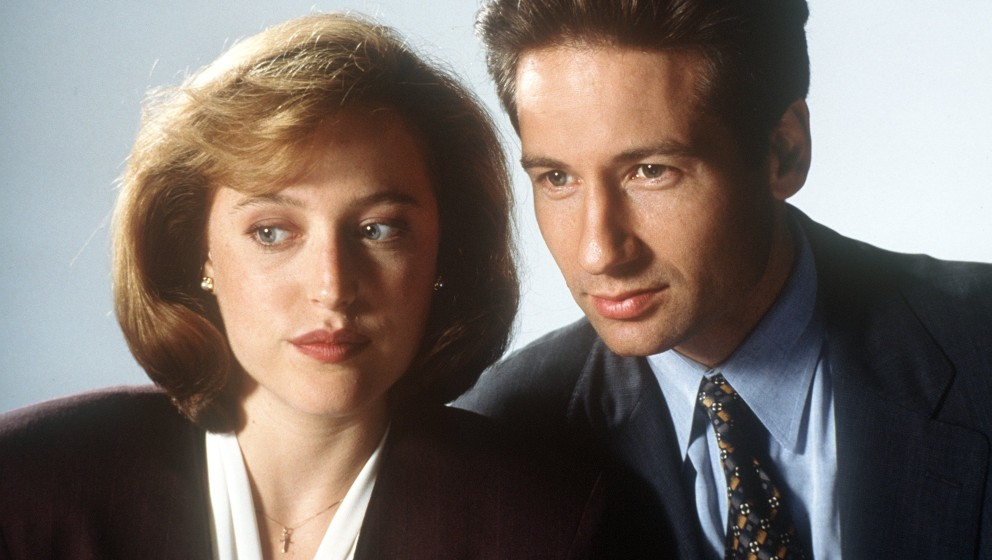 David Duchovny als FBI-Agent Fox Mulder und Gillian Anderson als seine Kollegin Dana Scully in der amerikanischen Krimiserie