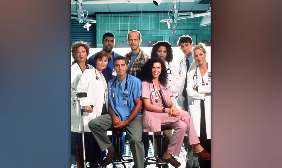 Die Darsteller der amerikanischen Fernsehserie 'ER': (l-r, vorn) Laura Innes, George Clooney und Julianna Margulies; (l-r, hi