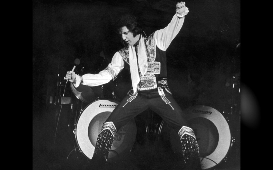 The American singer Elvis PRESLEY during his concert at Madison Square Gardens in New York, in June 1972. It was his first co