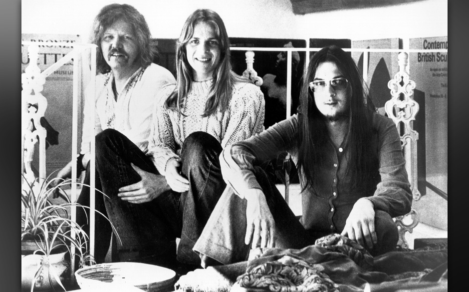 CIRCA 1973:  (L-R) Edgar Froese, Peter Baumann and Christopher Franke of the rock band 'Tangerine Dream' pose for a portrait
