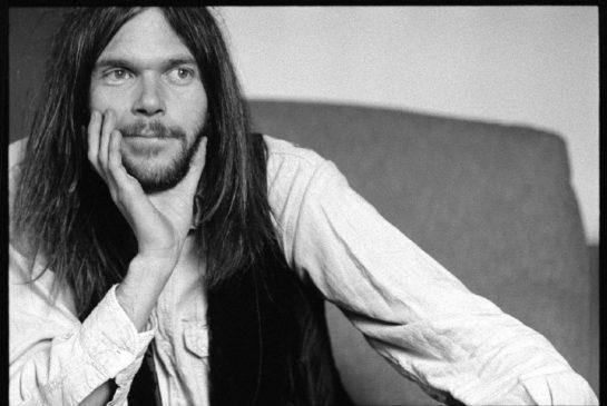 13. Neil Young: Setzte den Interviewer während des Gesprächs auf die schwarze Liste