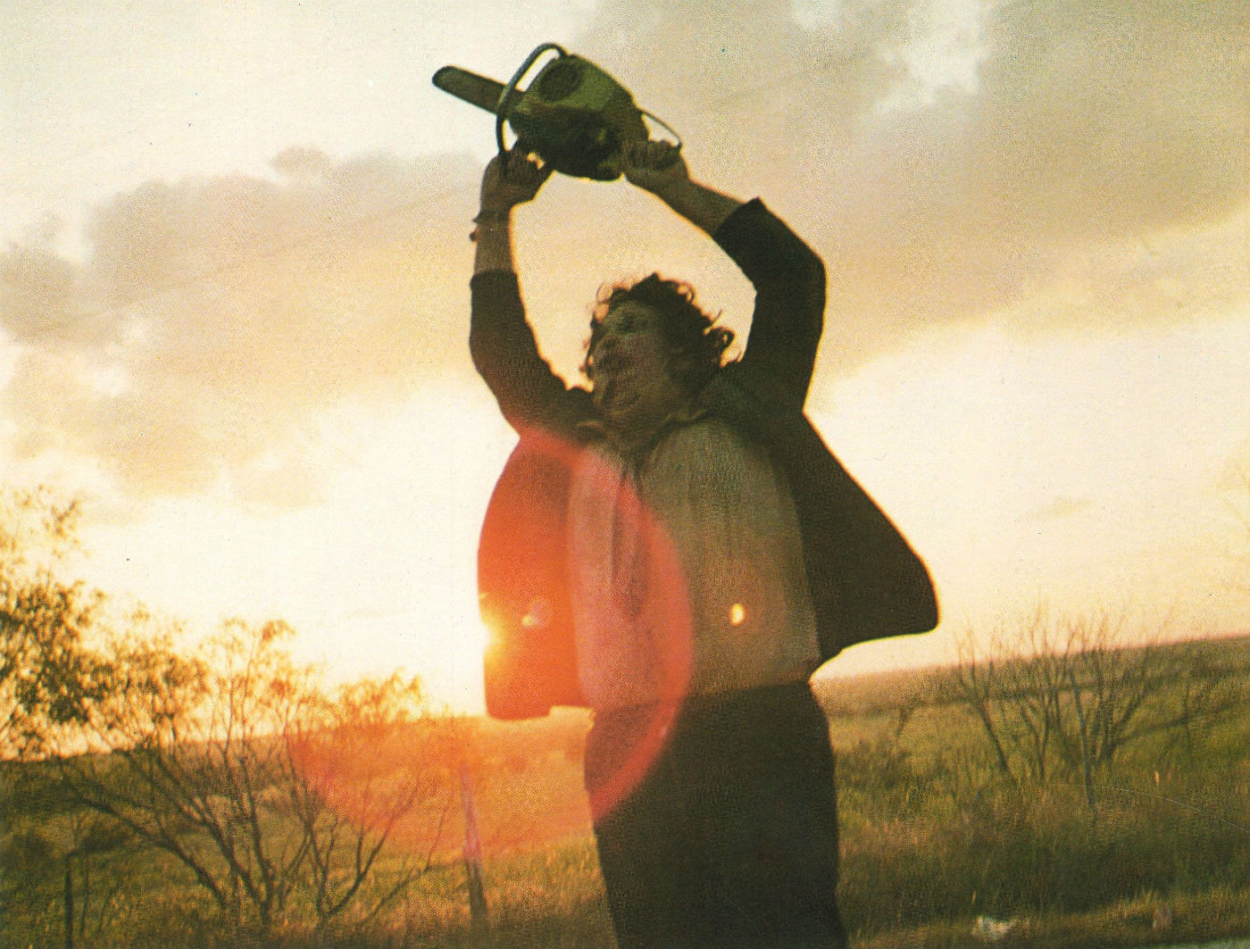 HANDOUT - Gunnar Hansen als Leatherface in einer undatierten Szene des Films «The Texas Chainsaw Massacre». Der Film kommt