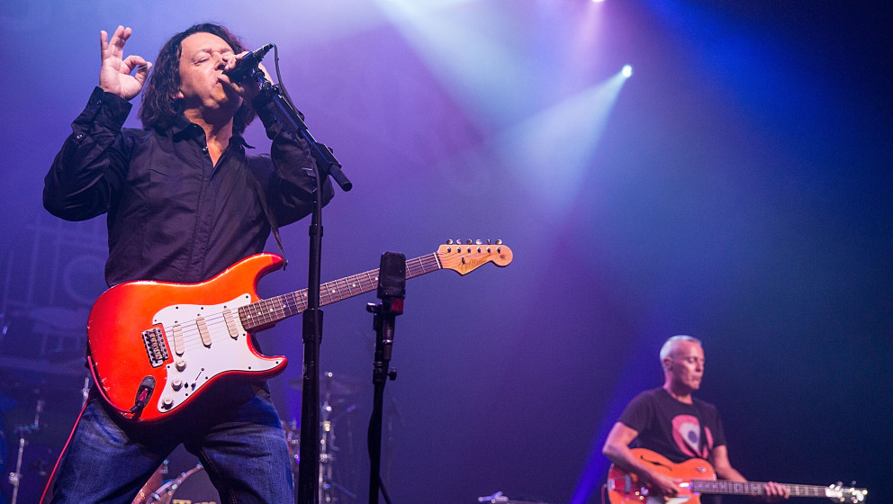 AUSTIN, TX - SEPTEMBER 17:  Musicians Roland Orzabal (L) and Curt Smith of Tears for Fears perform in concert at Austin Music