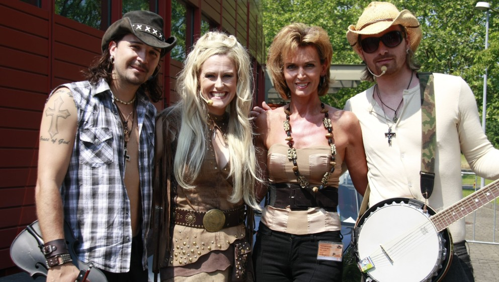 Musik-Gruppe 'Rednex', Liane Wirzberger (re.), ZDF-Sonntags-Show, 'ZDF-Fernsehgarten', 'Sendezentrum am Lerchenberg', Mainz,