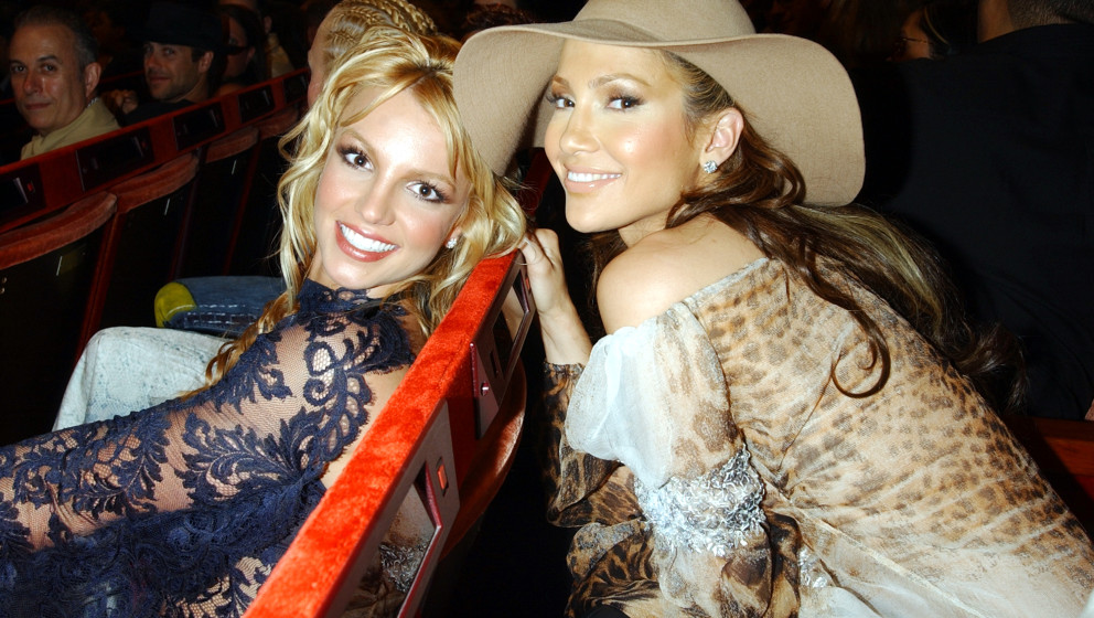 Britney Spears and Jennifer Lopez (Photo by KMazur/WireImage)