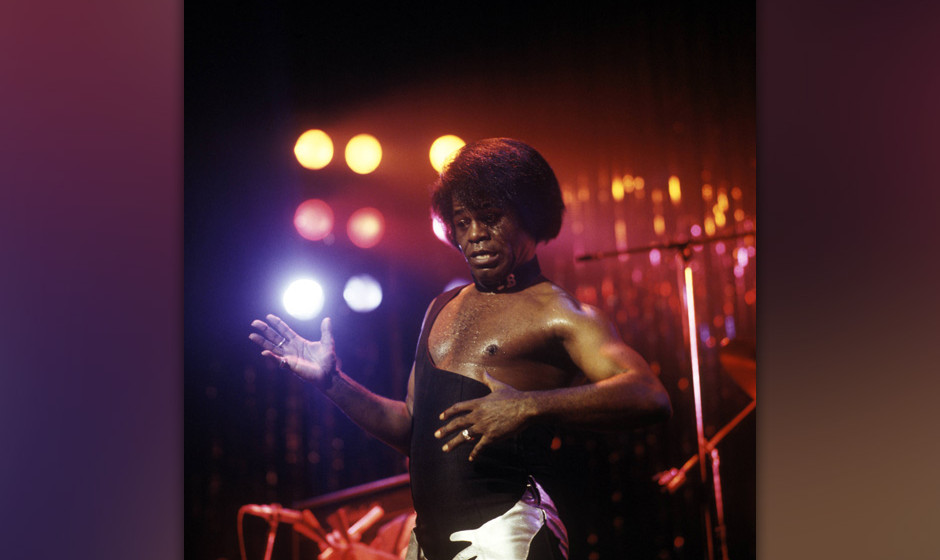 UNITED KINGDOM - NOVEMBER 01:  HAMMERSMITH ODEON  Photo of James BROWN, performing live onstage  (Photo by David Redfern/Redf