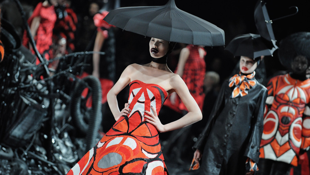 PARIS - MARCH 10:  Models walk down the catwalk during the Alexander McQueen Ready-to-Wear A/W 2009 fashion show during Paris