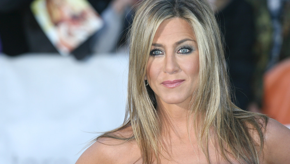 TORONTO, ON - SEPTEMBER 14:  Actress/producer Jennifer Aniston arrives at the 'Life Of Crime' Premiere during the 2013 Toront