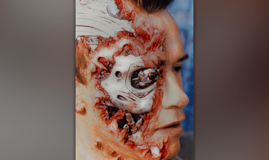 Terminator (The Terminator, USA/GB 1984, Regie: James Cameron) Arnold Schwarzenegger  / Cyborg, Maschinenmensch, Maske, Blut,