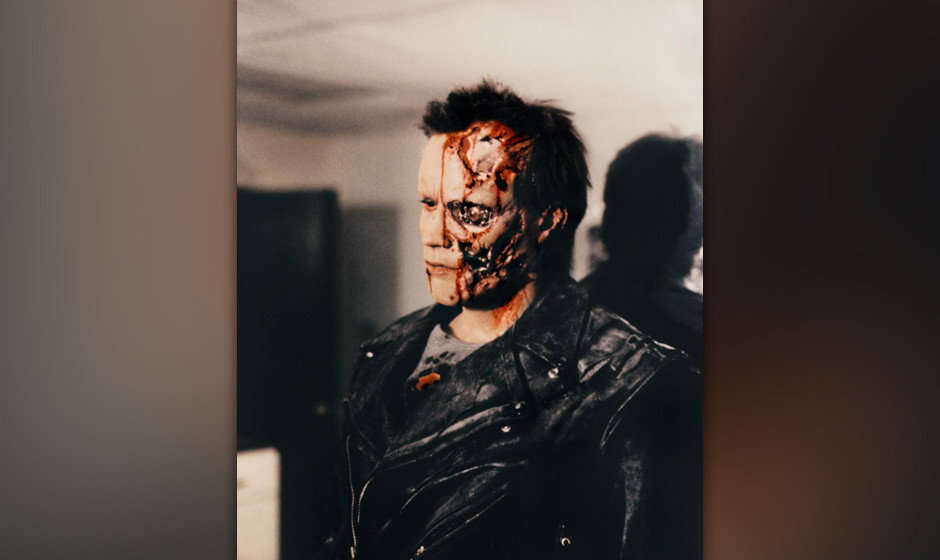 TTerminator (The Terminator, USA/GB 1984, Regie: James Cameron) Arnold Schwarzenegger  / Cyborg, Maschinenmensch, Maske, Blut