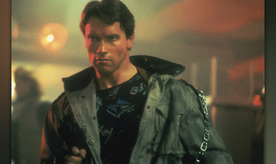 Der Terminator (The Terminator, USA 1984, Regie: James Cameron) Arnold Schwarzenegger  / Mann, martialisch, entschlossen, Cyb