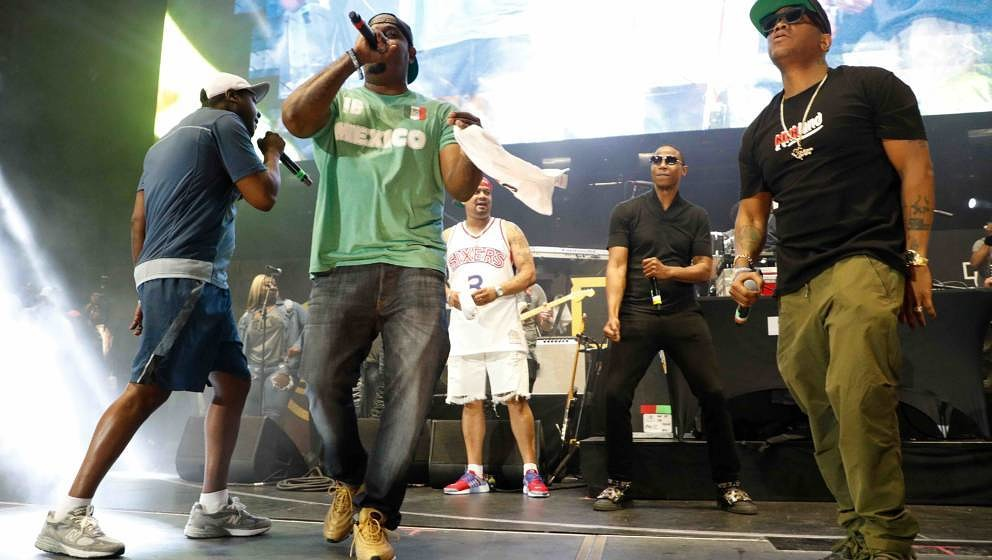 EAST RUTHERFORD, NJ - JUNE 11: Jadakiss, Sheek Louch, and Styles P of The Lox perform during the 2017 Hot 97 Summer Jam at Me